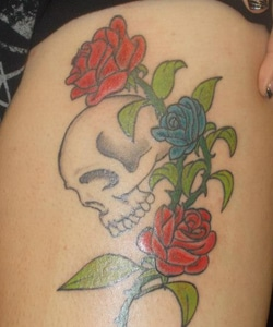 Old School Skull Roses Tattoo